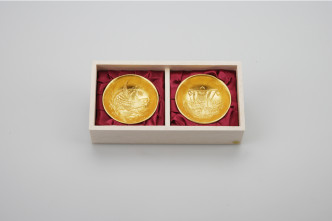 600100_Celebration Sake Cup Set gold