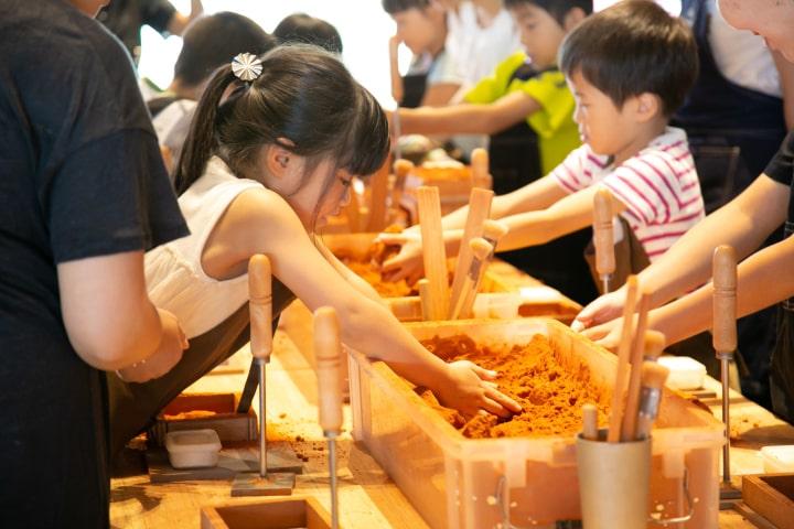子ども向け鋳物製作体験