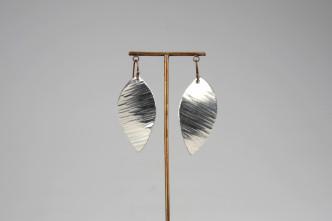 600213_earrings suzuha_ripple texture++